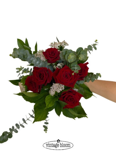 tokoroa florist roses bouquet dozen